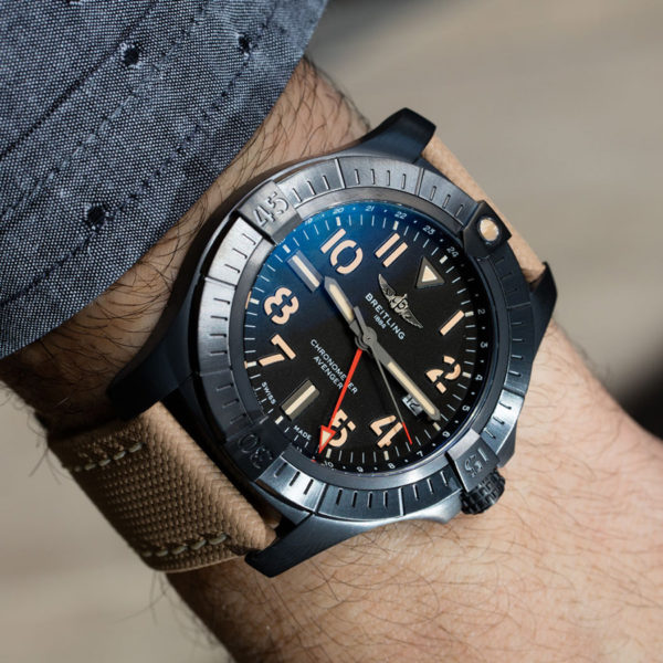 Avenger Automatic GMT 45 Nigth Mission V32395101B1X2 Breitling